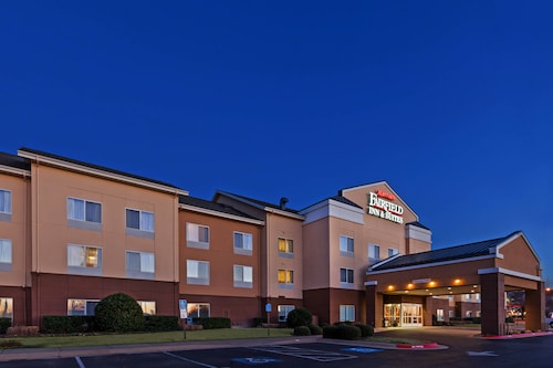 Great Place to stay Fairfield Inn & Suites by Marriott Rogers near Rogers