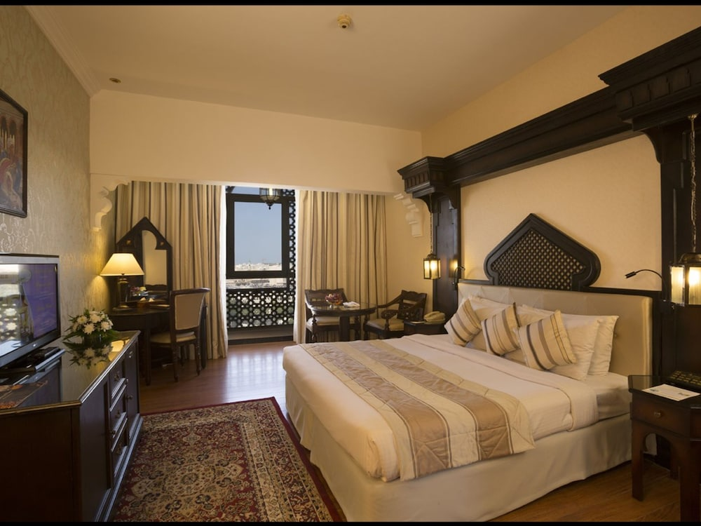 Room, Arabian Courtyard Hotel & Spa