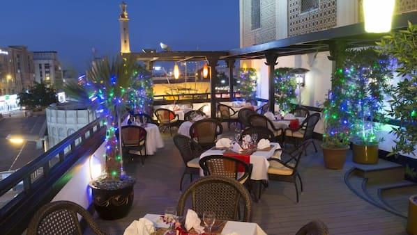 2 restaurants, breakfast, lunch and dinner served, regional cuisine