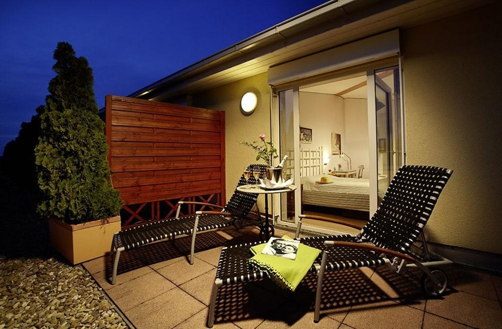 hotel hirschen in freiburg lehen an ascend hotel collection member freiburg im breisgau deu. Black Bedroom Furniture Sets. Home Design Ideas
