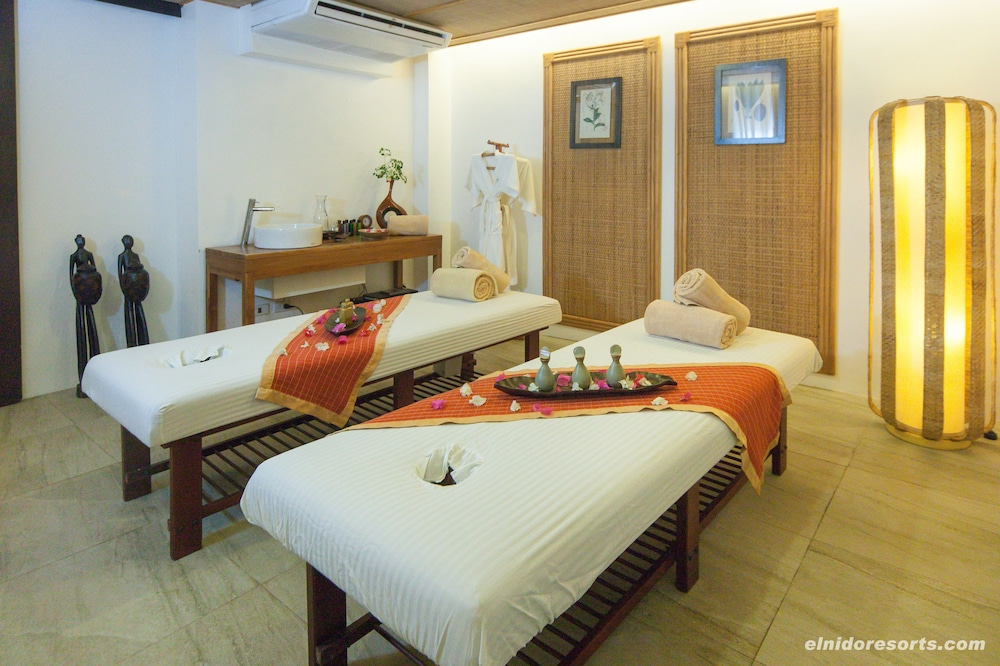 Treatment Room, Lagen Island Resort