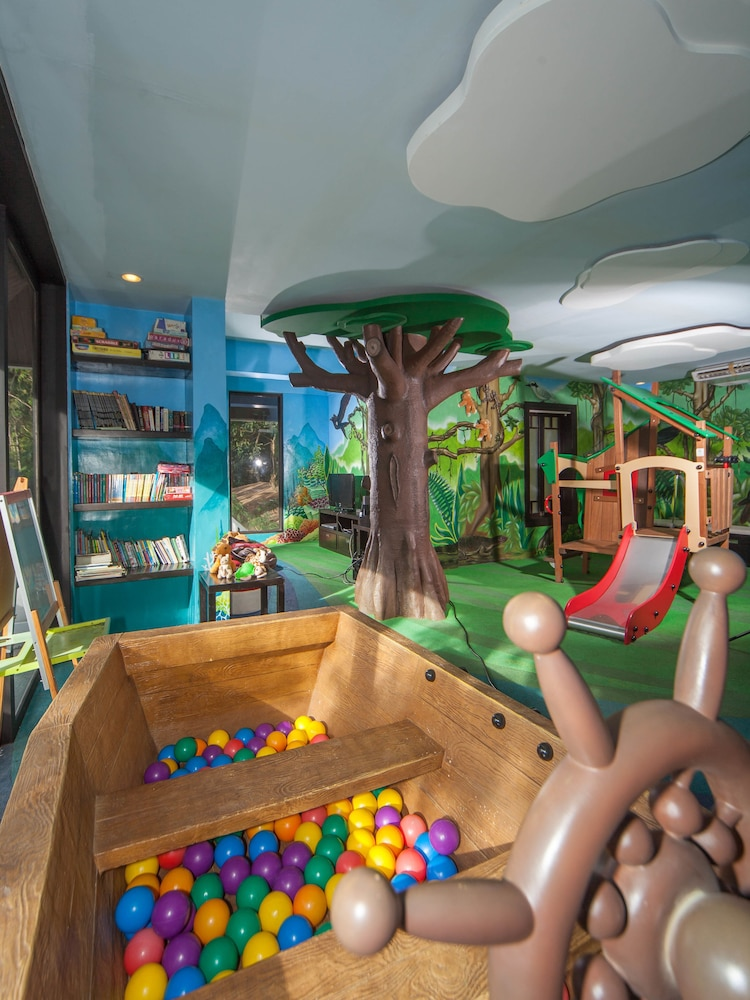 Children's Play Area - Indoor, Lagen Island Resort