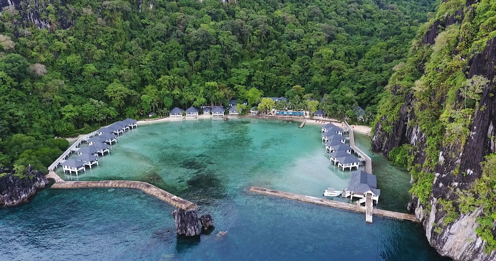 Featured Image, Lagen Island Resort