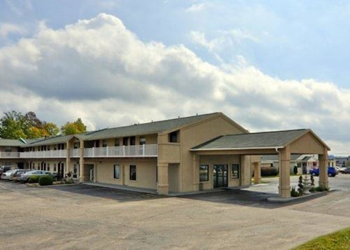 Check Expedia for Availability of Quality Inn & Suites Big Rapids