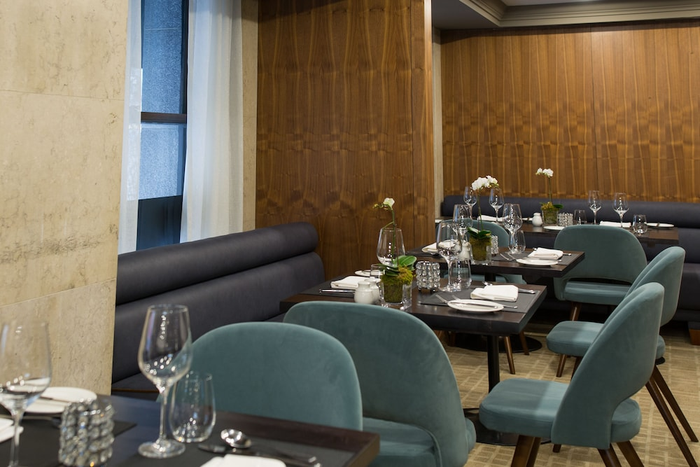 Dining, One King West Hotel & Residence