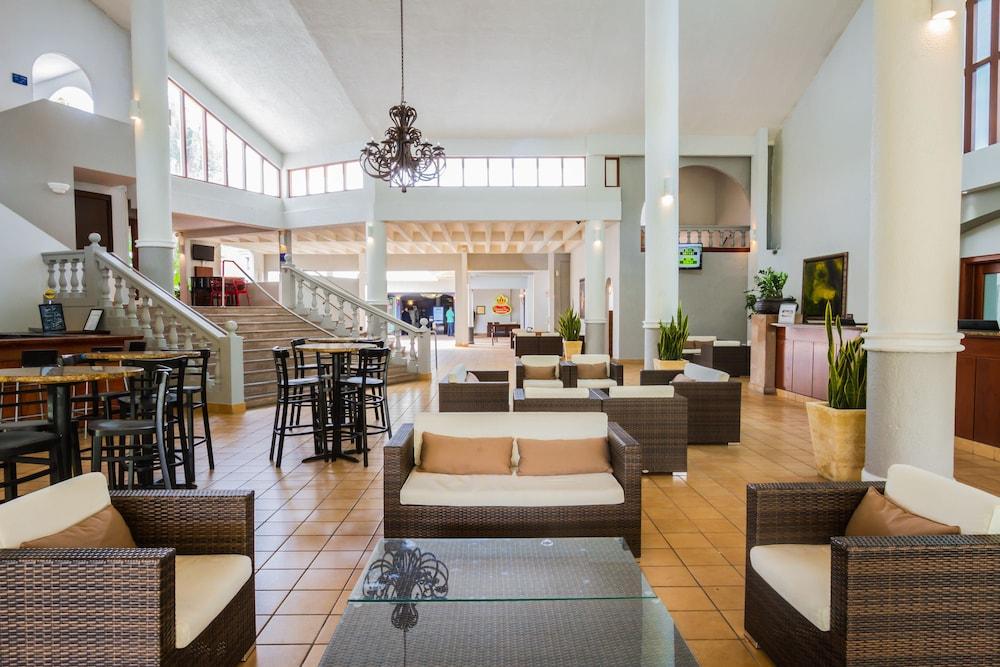 Wyndham Garden Palmas Del Mar: 2017 Room Prices, Deals & Reviews ...
