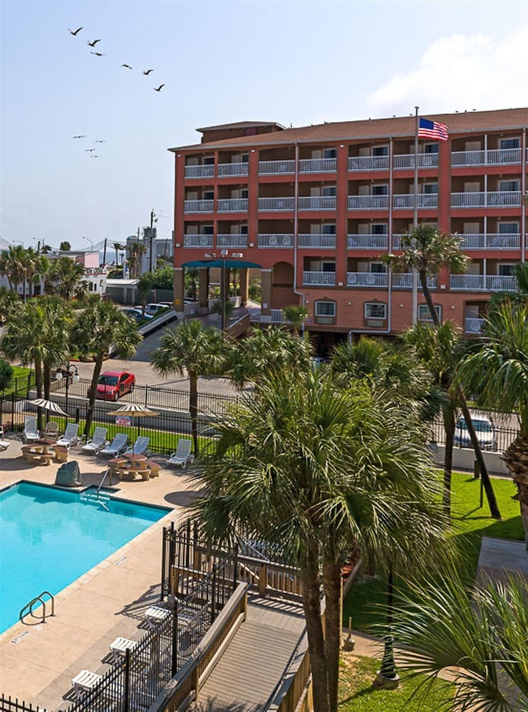 Exterior. Experience an unbeatable getaway at Courtyard Galveston Island on Seawall Boulevard. Our oceanfront hotel provides easy access to Galveston Beach and Galveston Island Historic Pleasure Pier.