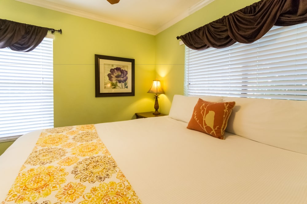 Room, Tropical Beach Resorts