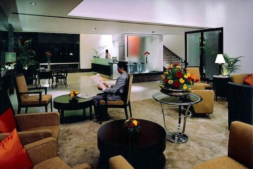 센추리언 호텔