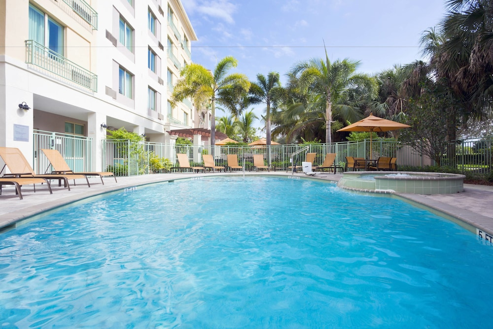 Outdoor Pool, Courtyard by Marriott Fort Lauderdale SW/Miramar