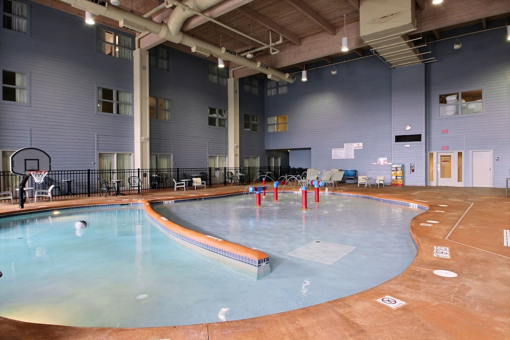 Holiday Inn Express Hotel Suites Milwaukee Airport Deals