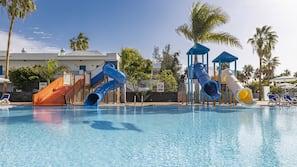 15 buitenzwembaden, parasols voor strand/zwembad