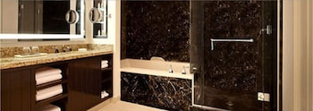 Suite, 1 King Bed (Delano) - Bathroom