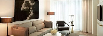 Suite, 1 King Bed (Delano) - Living Area