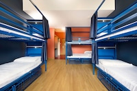 1 bed in a 6 bed Shared Mixed Dormitory