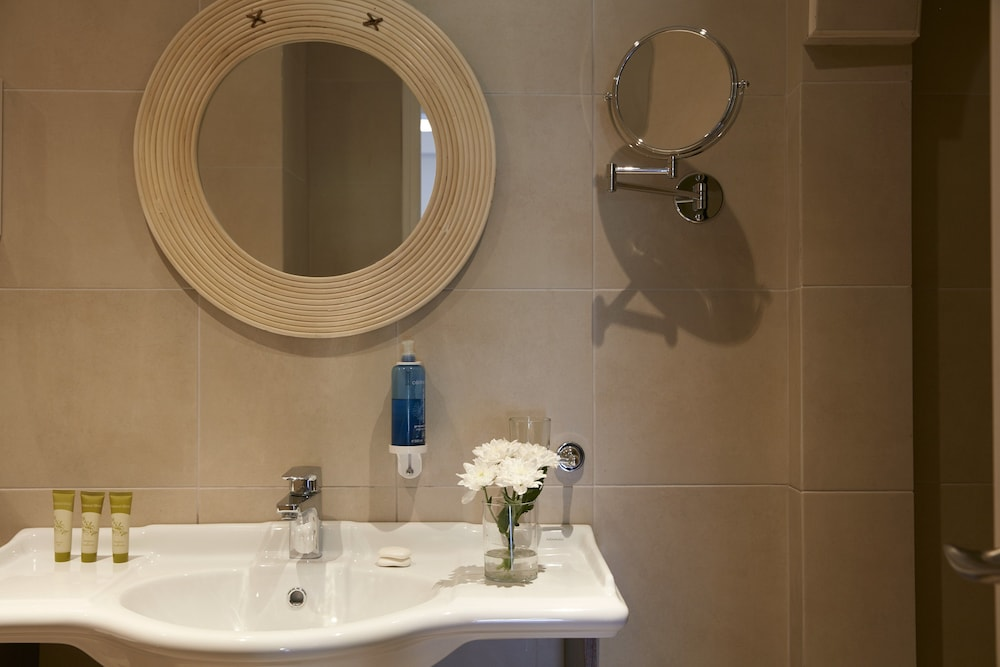 Bathroom, GΗotels Simantro Beach