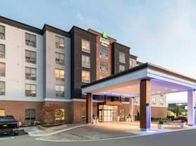 Holiday Inn Express & Suites Milton, an IHG Hotel