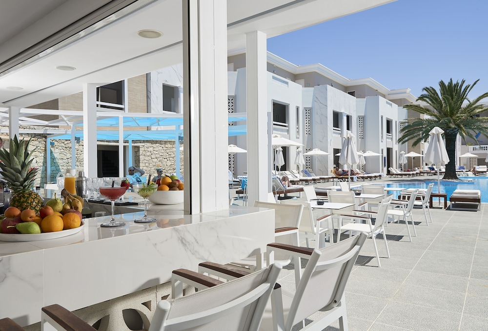 Poolside Bar, Mythos Palace Resort & Spa - All Inclusive