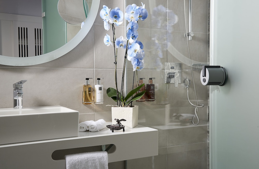 Bathroom, Mythos Palace Resort & Spa - All Inclusive