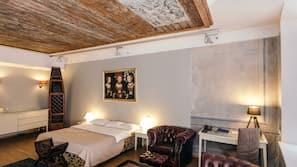 저자극성 침구, 객실 내 금고, 각각 다른 스타일의 객실, 책상