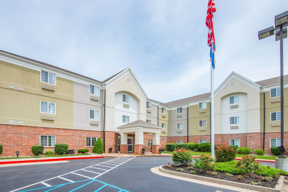 Exterior, Candlewood Suites Jefferson City, an IHG Hotel