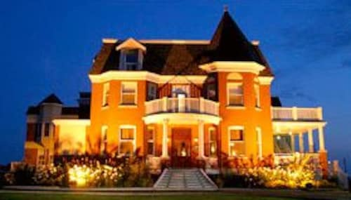 Check Expedia for Availability of Auberge Montebello