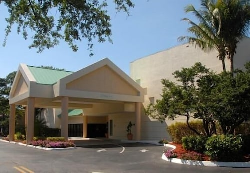 Front of Property, Sawgrass Inn & Conference Center