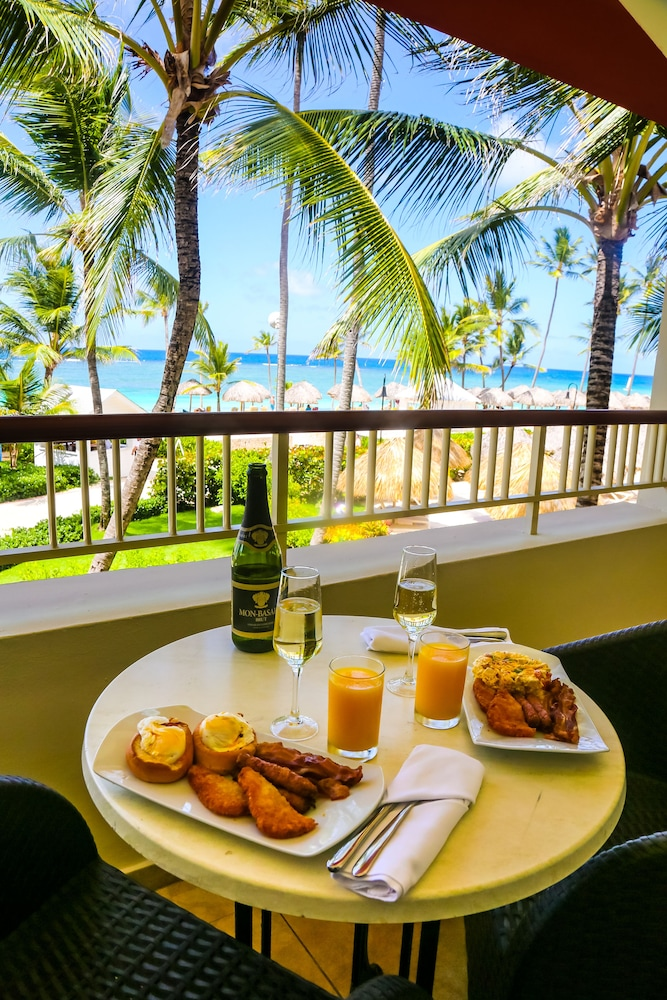 In-Room Dining, Majestic Colonial Punta Cana - All Inclusive