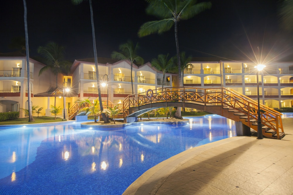 Pool, Majestic Colonial Punta Cana - All Inclusive