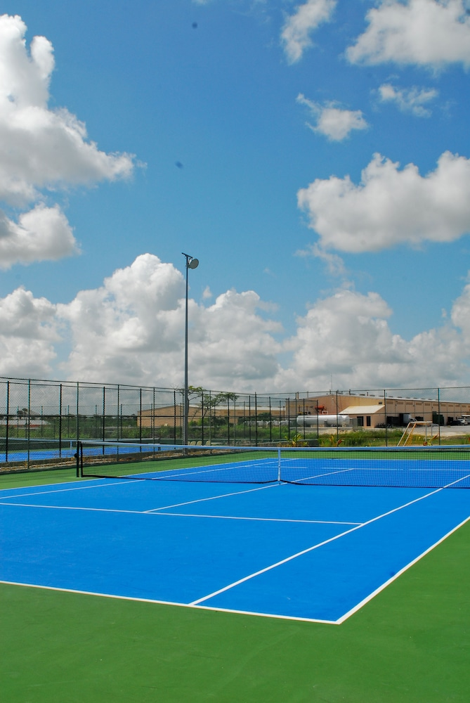 Tennis Court, Majestic Colonial Punta Cana - All Inclusive