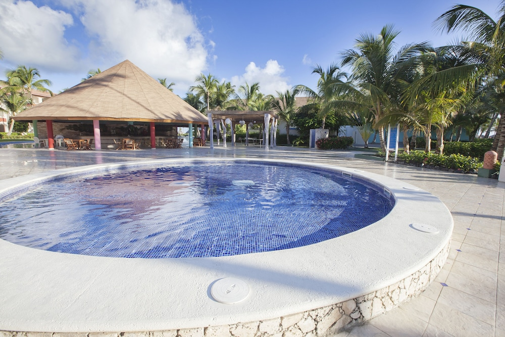 Children's Pool, Majestic Colonial Punta Cana - All Inclusive
