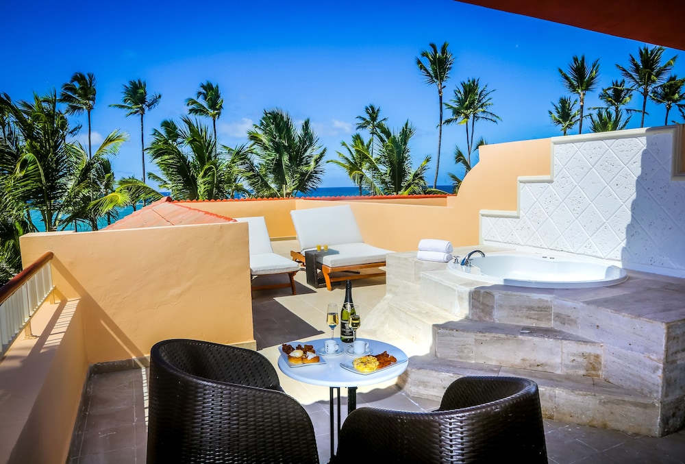 Terrace/Patio, Majestic Colonial Punta Cana - All Inclusive