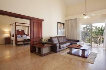 Colonial Club One Bedroom Suite with Indoor Jacuzzi (Adults Only) - Living Area