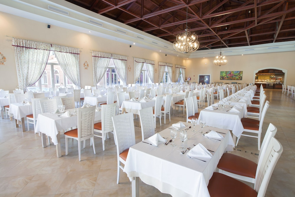 Restaurant, Majestic Colonial Punta Cana - All Inclusive