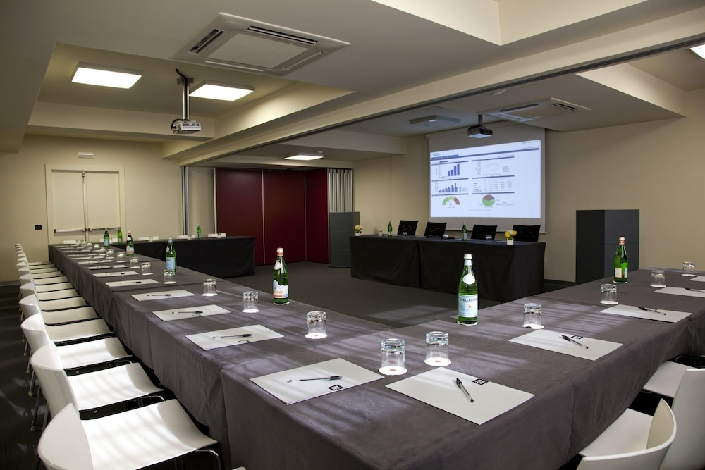Meeting Facility, Hotel Zone