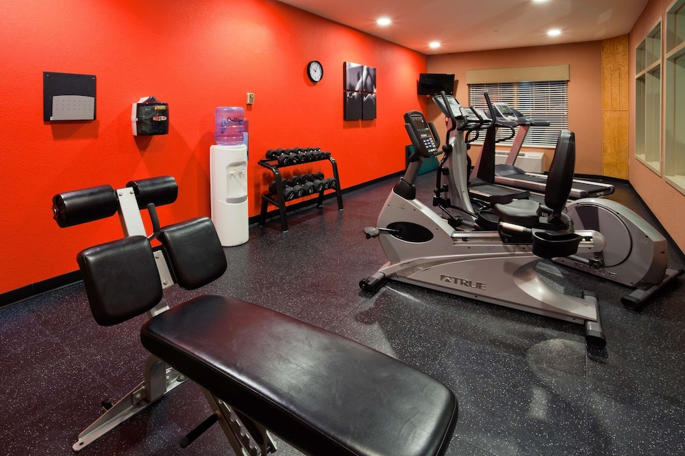 Fitness Facility, Country Inn & Suites by Radisson, Madison Southwest, WI