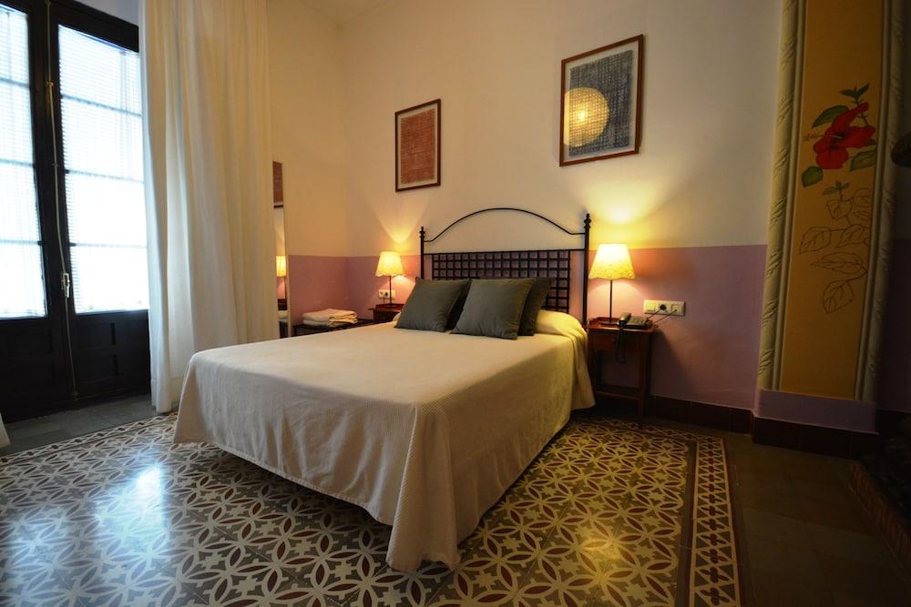 Casa de los azulejos 2017 room prices deals reviews for Hotel los azulejos cordoba