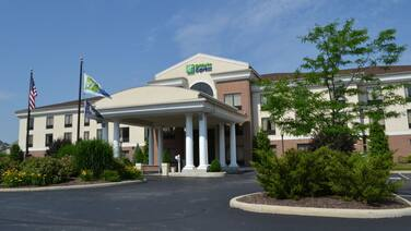 Holiday Inn Express Hotel & Suites Kent State University, an IHG Hotel