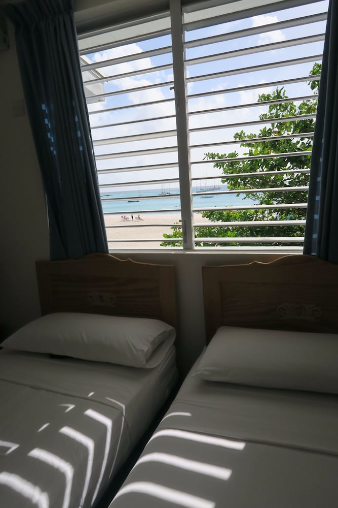 Room, Nautilus Beach Apartments
