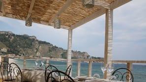 Private beach nearby, white sand, beach shuttle, sun-loungers