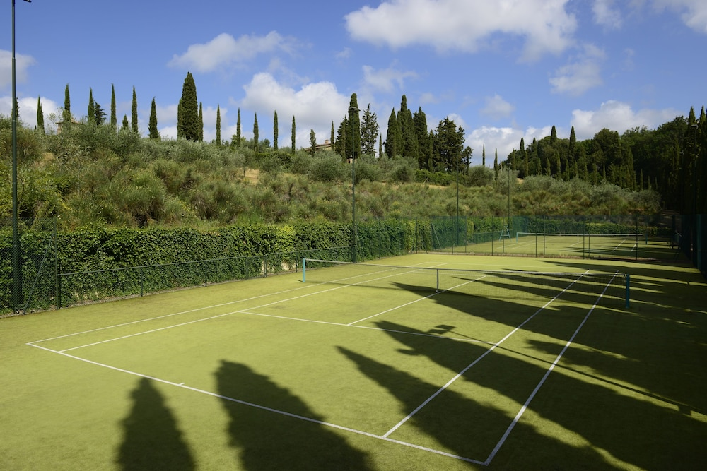 Tennis Court, COMO Castello Del Nero
