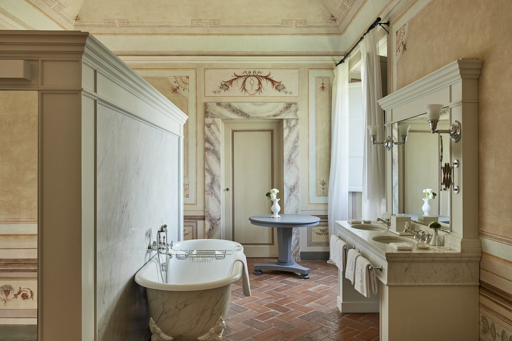 Bathroom, COMO Castello Del Nero