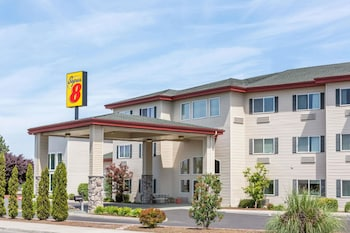 Super 8 by Wyndham Central Pt Medford