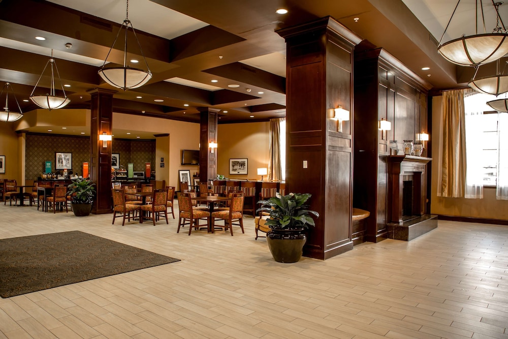 Lobby, Hampton Inn & Suites Albany-Downtown
