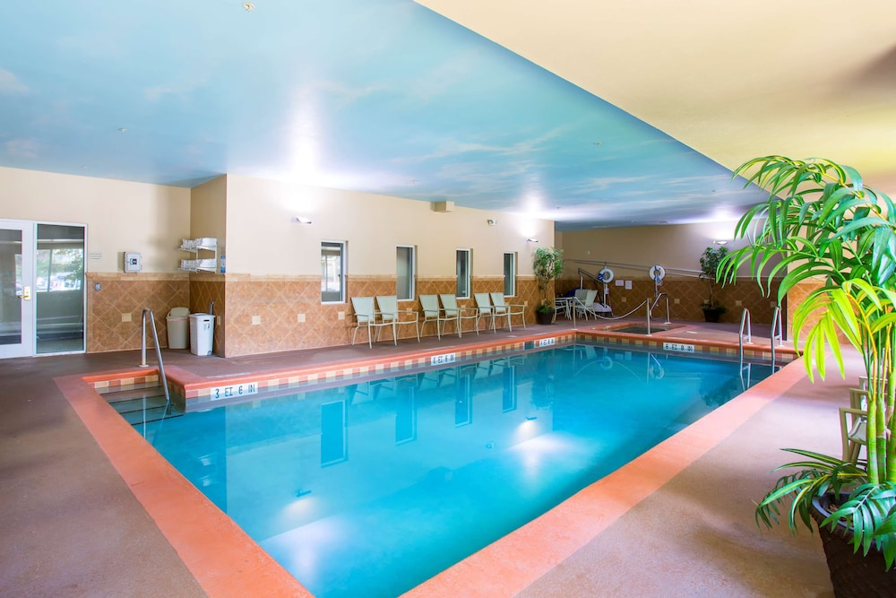 Indoor Pool, Country Inn & Suites by Radisson, Gainesville, FL