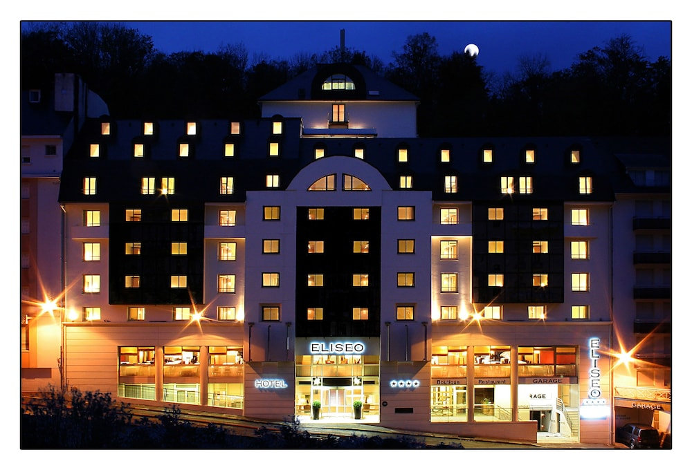 Front of Property - Evening/Night, Hotel Eliseo
