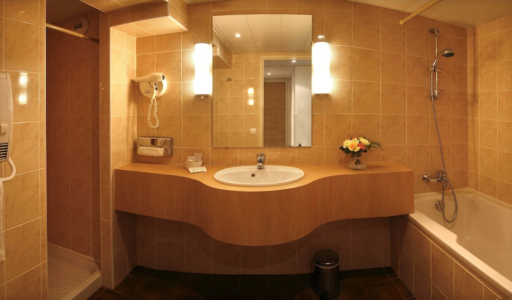 Bathroom, Hotel Eliseo