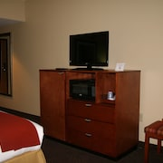 Holiday Inn Express and Suites Greenville