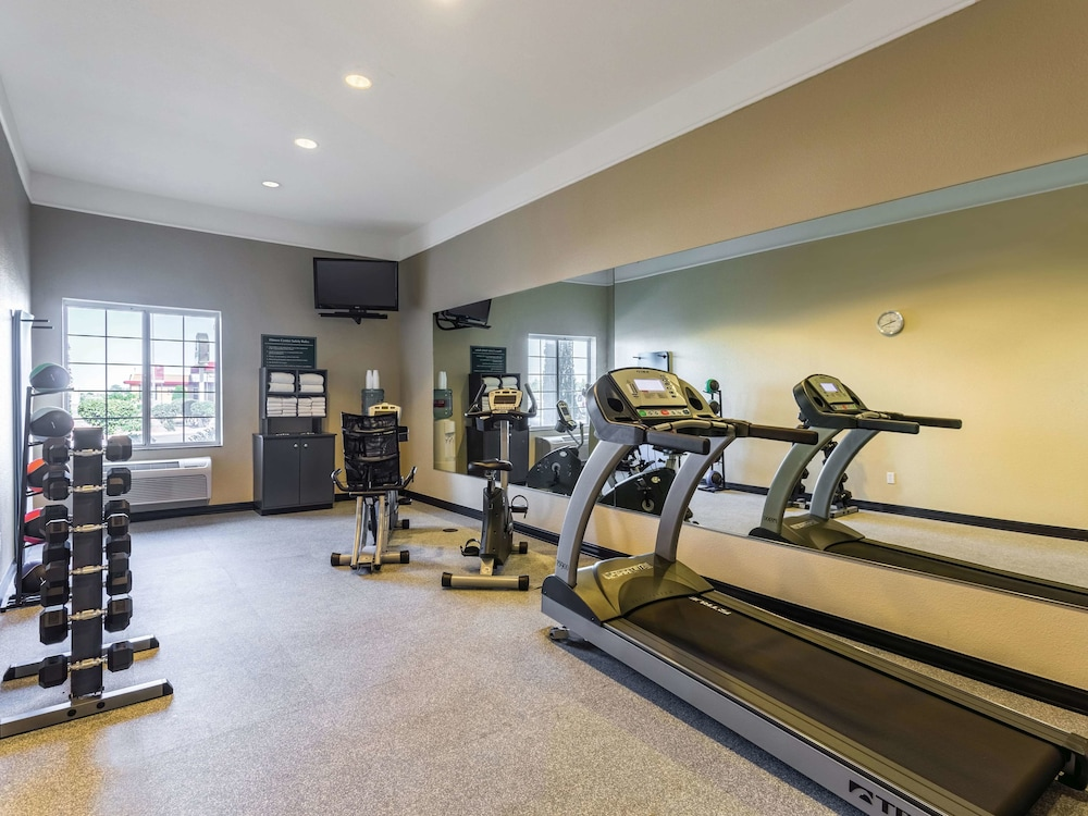 Fitness Facility, La Quinta Inn & Suites by Wyndham Deming