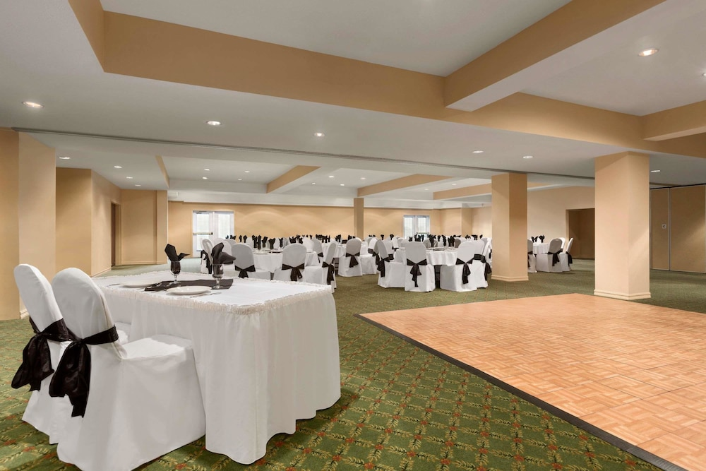 Meeting Facility, Days Inn & Conference Centre by Wyndham Oromocto